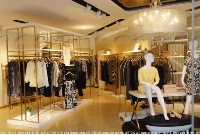 Đèn rọi showroom quần áo